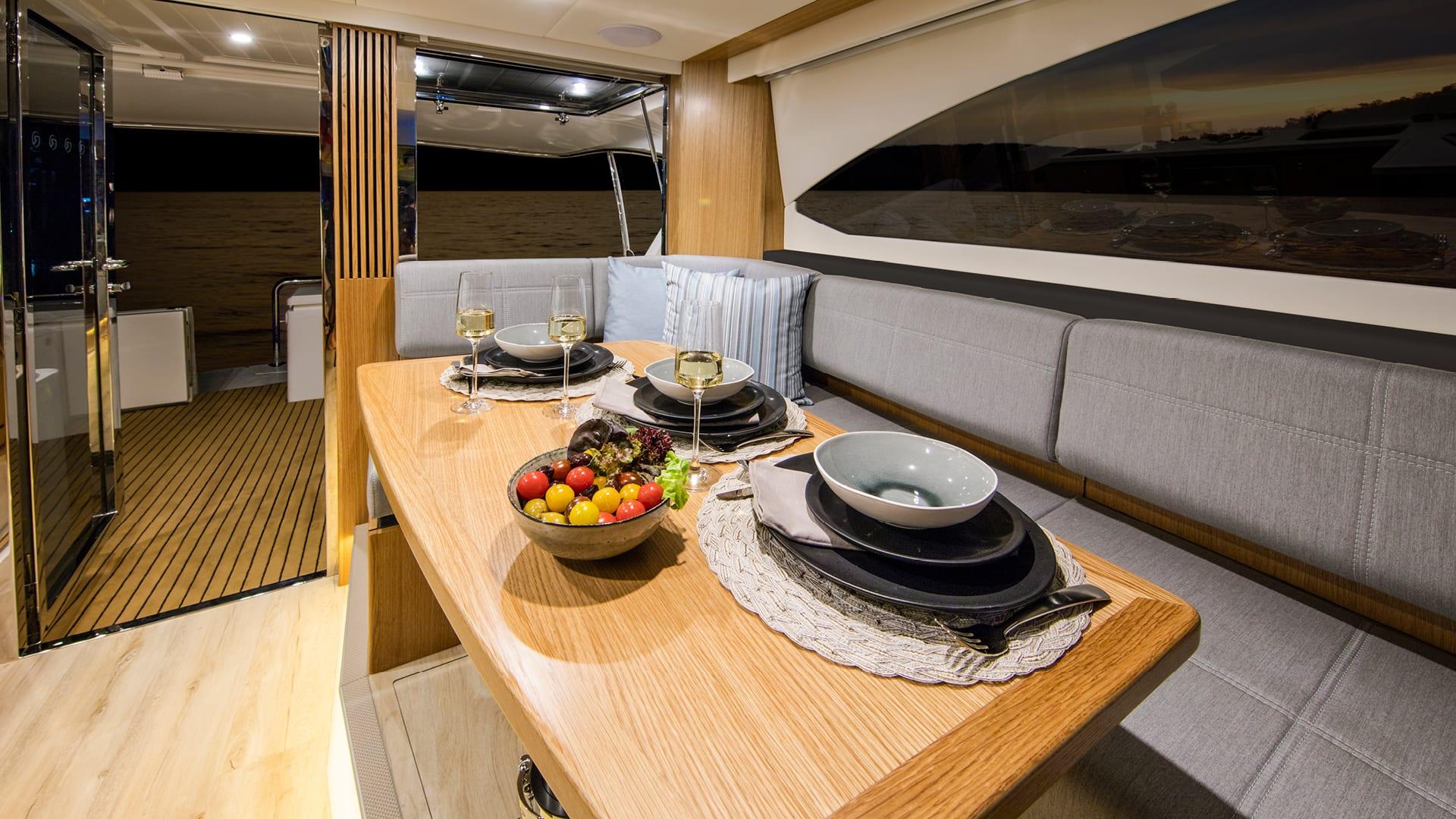 Riviera 395 SUV Saloon Dining – Satin Oak Timber Finish