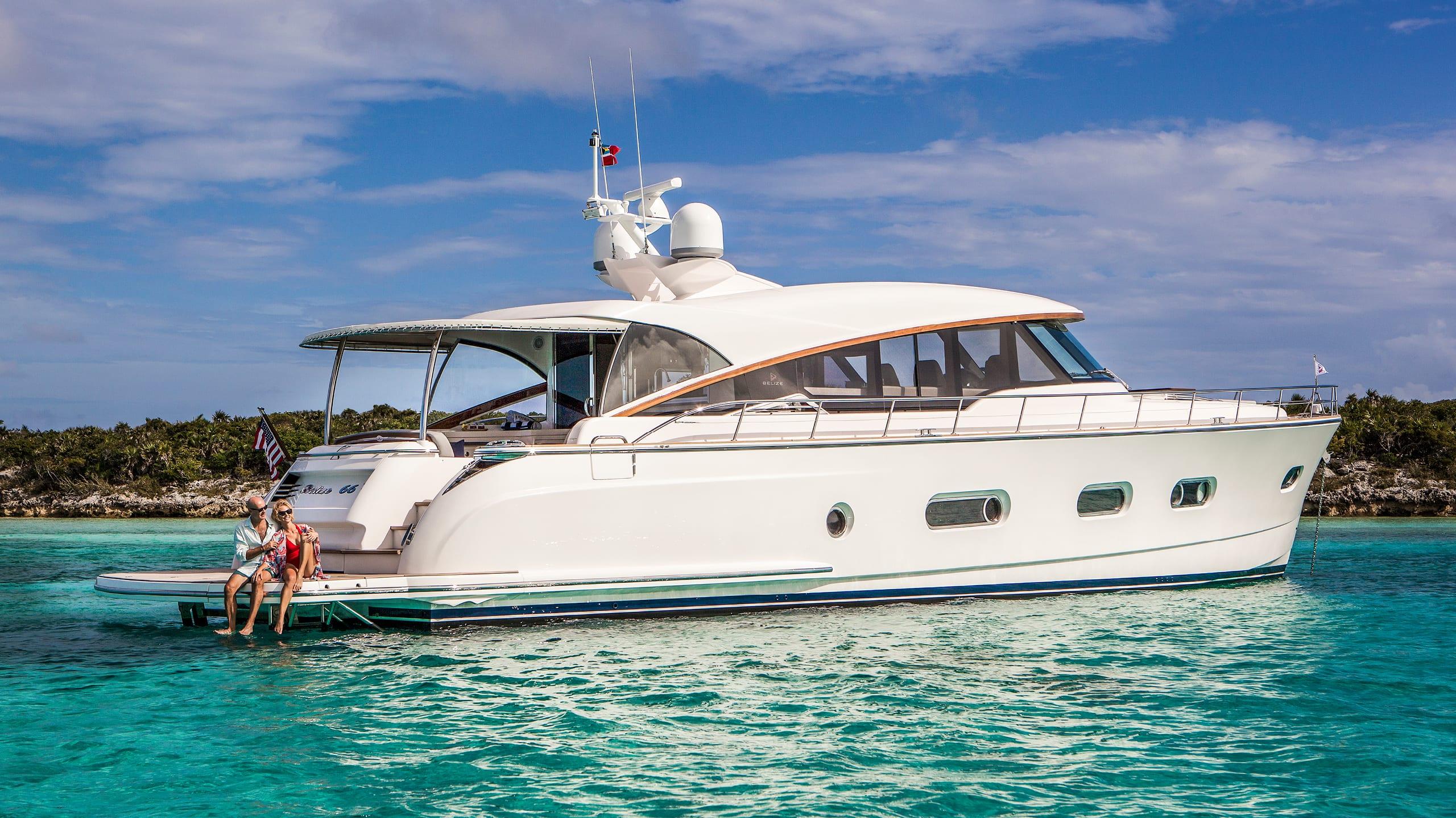 Belize 66 Sedan Anchored 06
