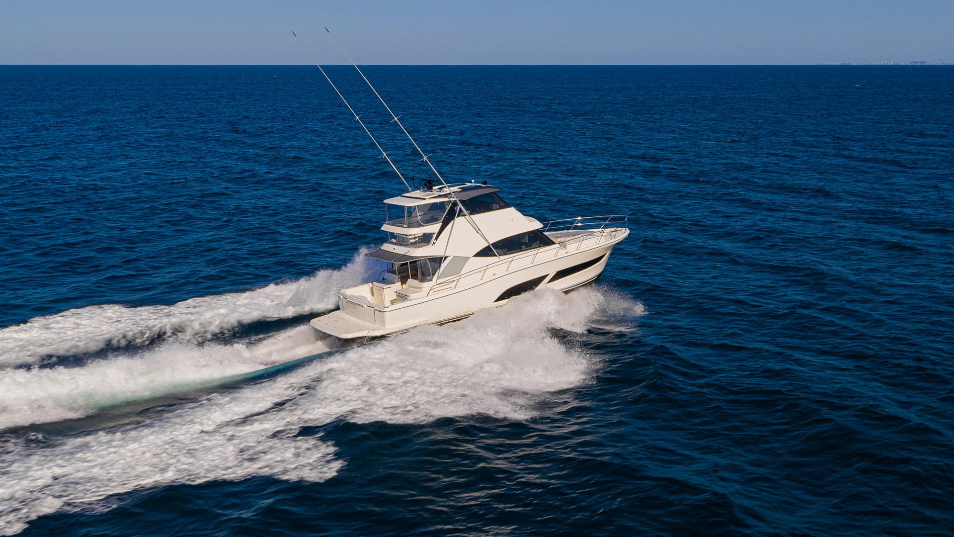 Riviera 50 Sports Motor Yacht Running 022