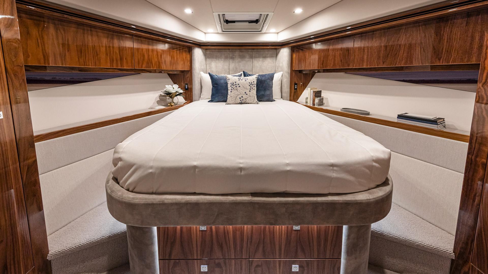 Riviera 5400 Sport Yacht Platinum Edition Forward VIP Stateroom – Gloss Walnut Timber Finish 03