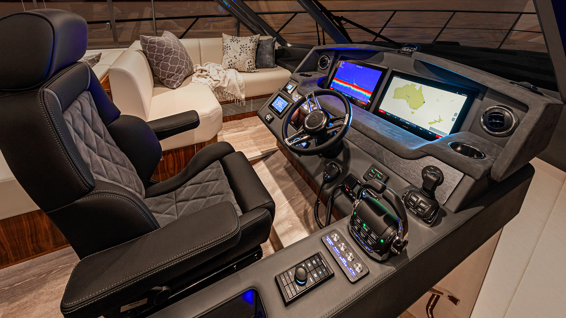 Riviera 5400 Sport Yacht Platinum Edition Helm – Gloss Walnut Timber Finish 01