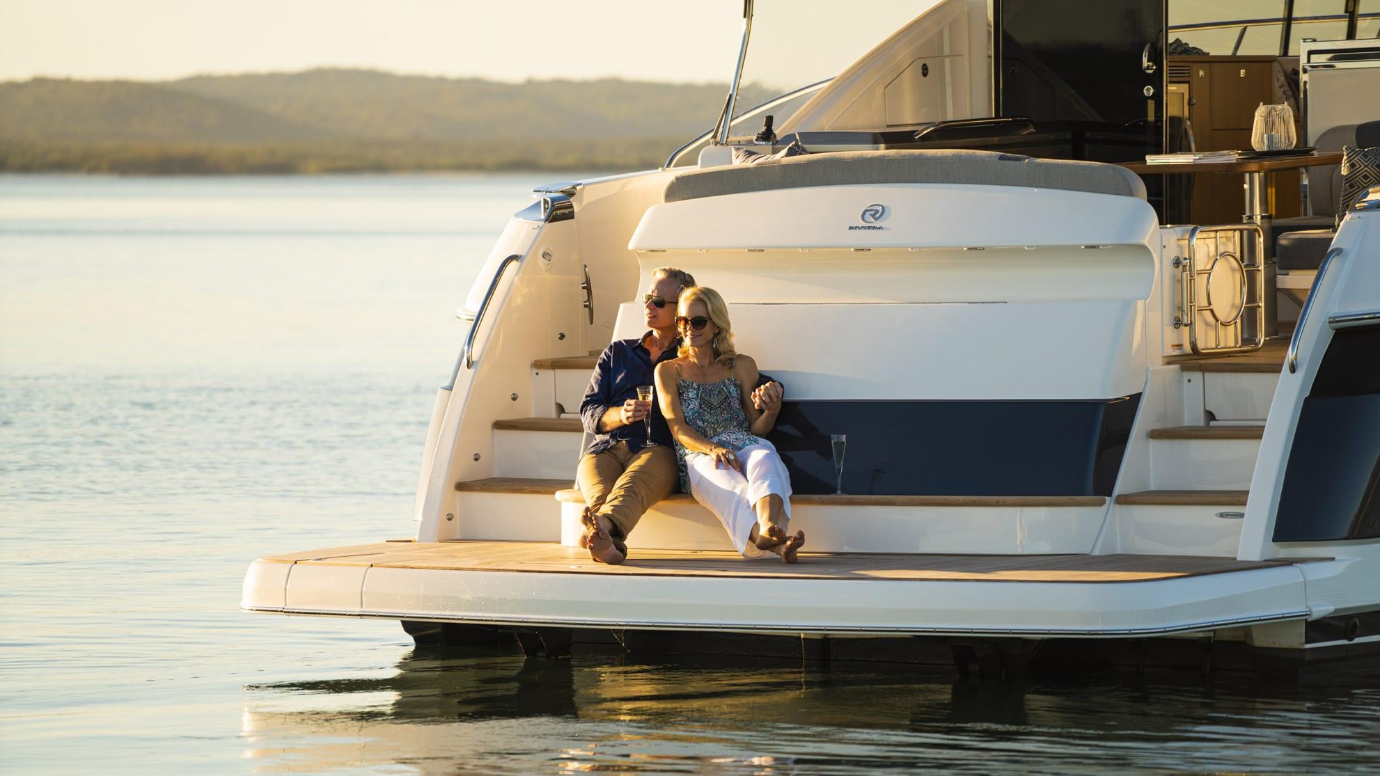 Riviera 5400 Sport Yacht Platinum Edition Lifestyle 08