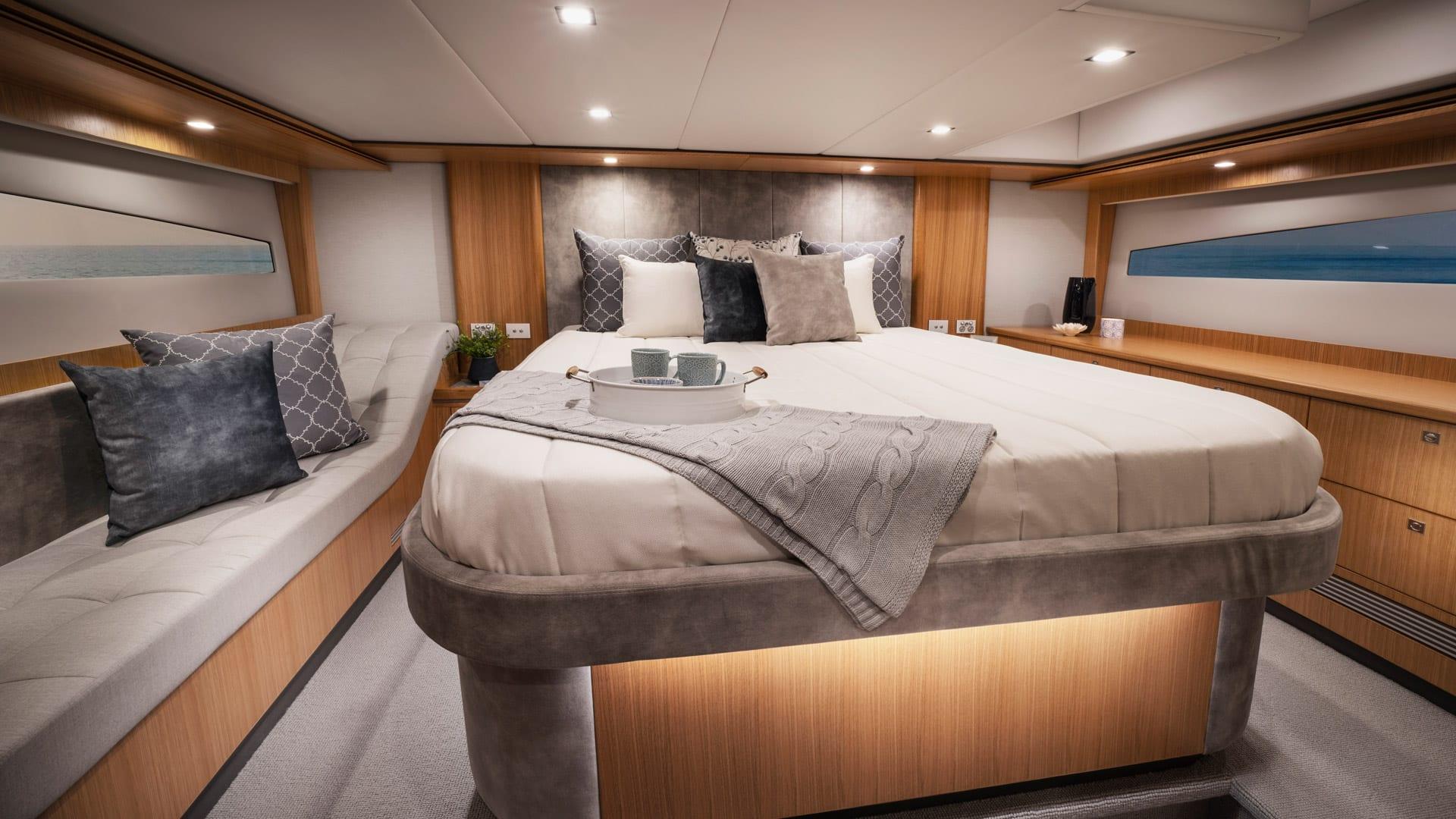 Riviera 5400 Sport Yacht Platinum Edition Master Stateroom 02 – Satin Oak Timber Finish