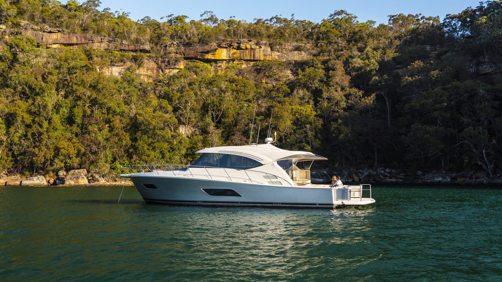 Riviera 545 SUV Anchored 05