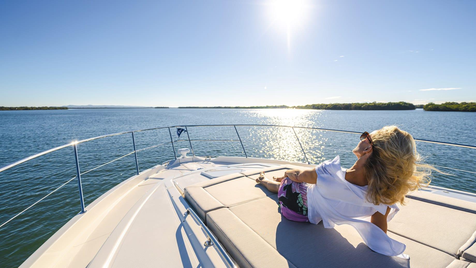 Riviera 6000 Sport Yacht Platinum Edition Foredeck 06