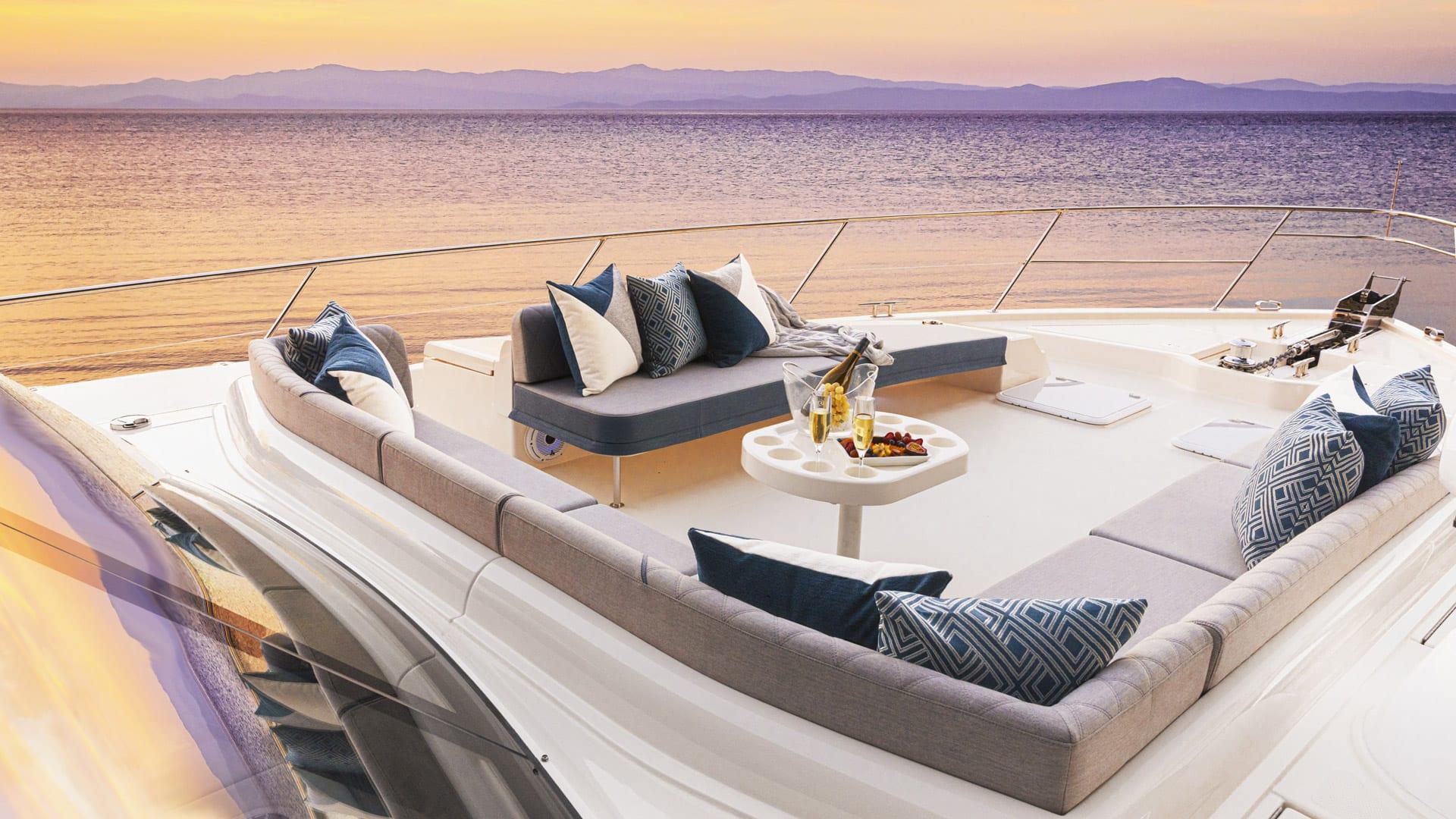 Riviera 64 Sports Motor Yacht Foredeck 01