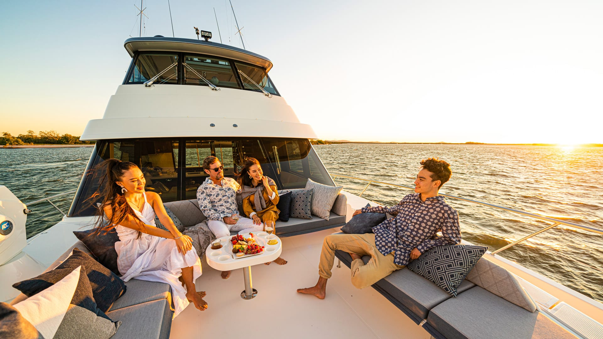 Riviera 64 Sports Motor Yacht Foredeck 02