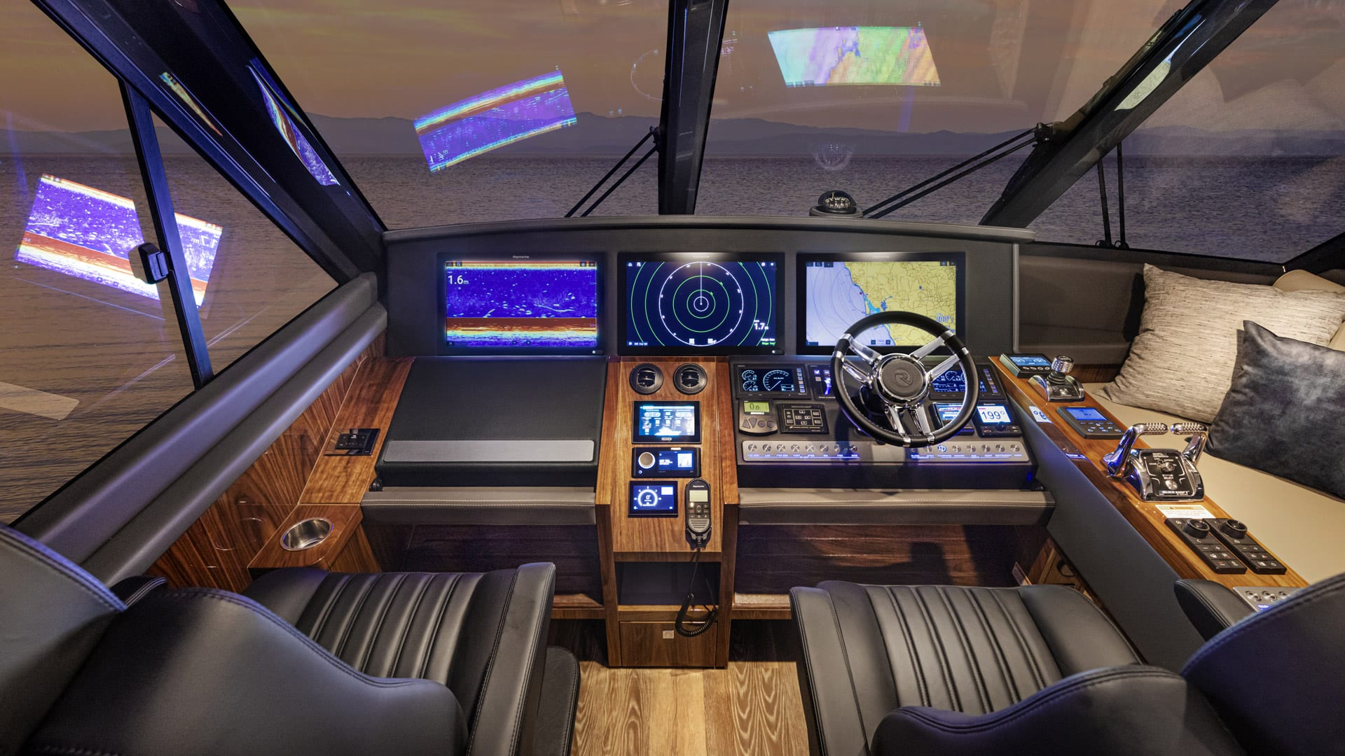 Riviera 64 Sports Motor Yacht Helm 01