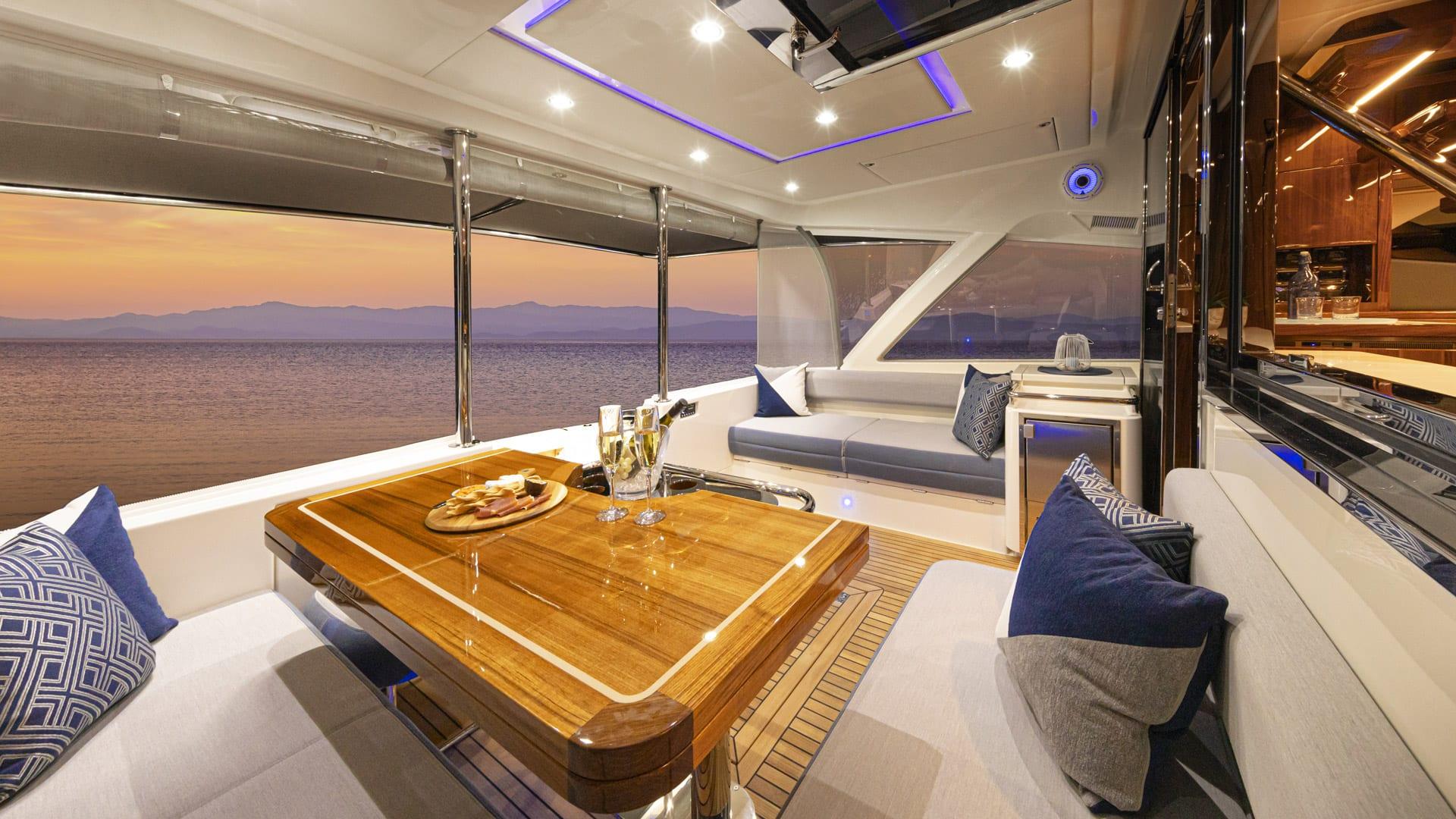Riviera 64 Sports Motor Yacht Mezzanine 01