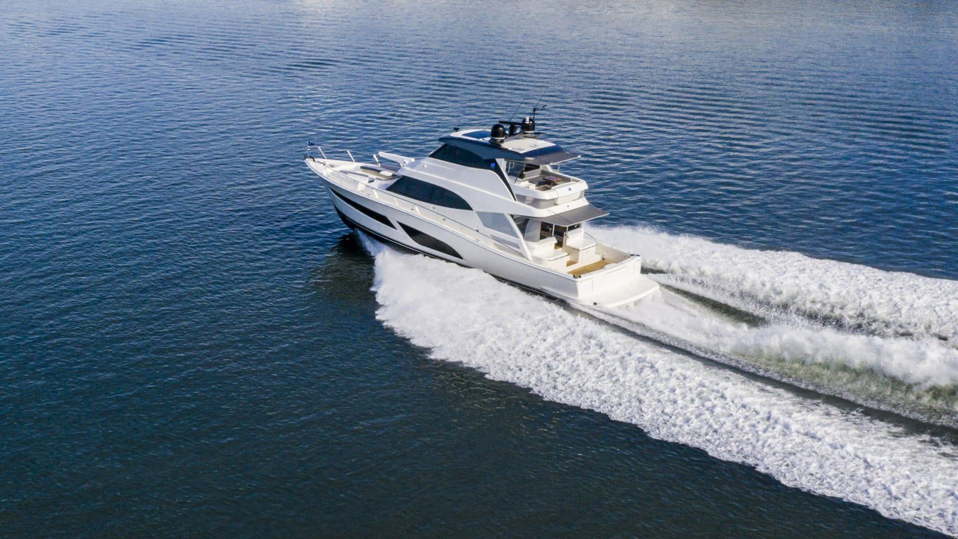 Riviera 64 Sports Motor Yacht Running 02 Crop