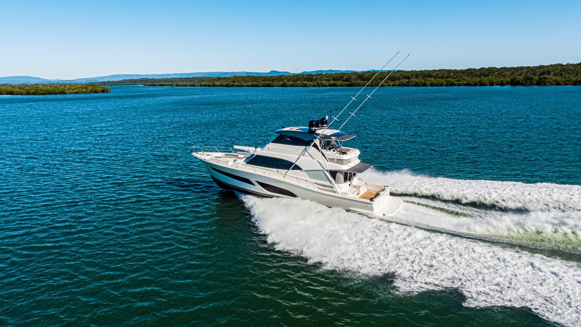 Riviera 64 Sports Motor Yacht Running 07