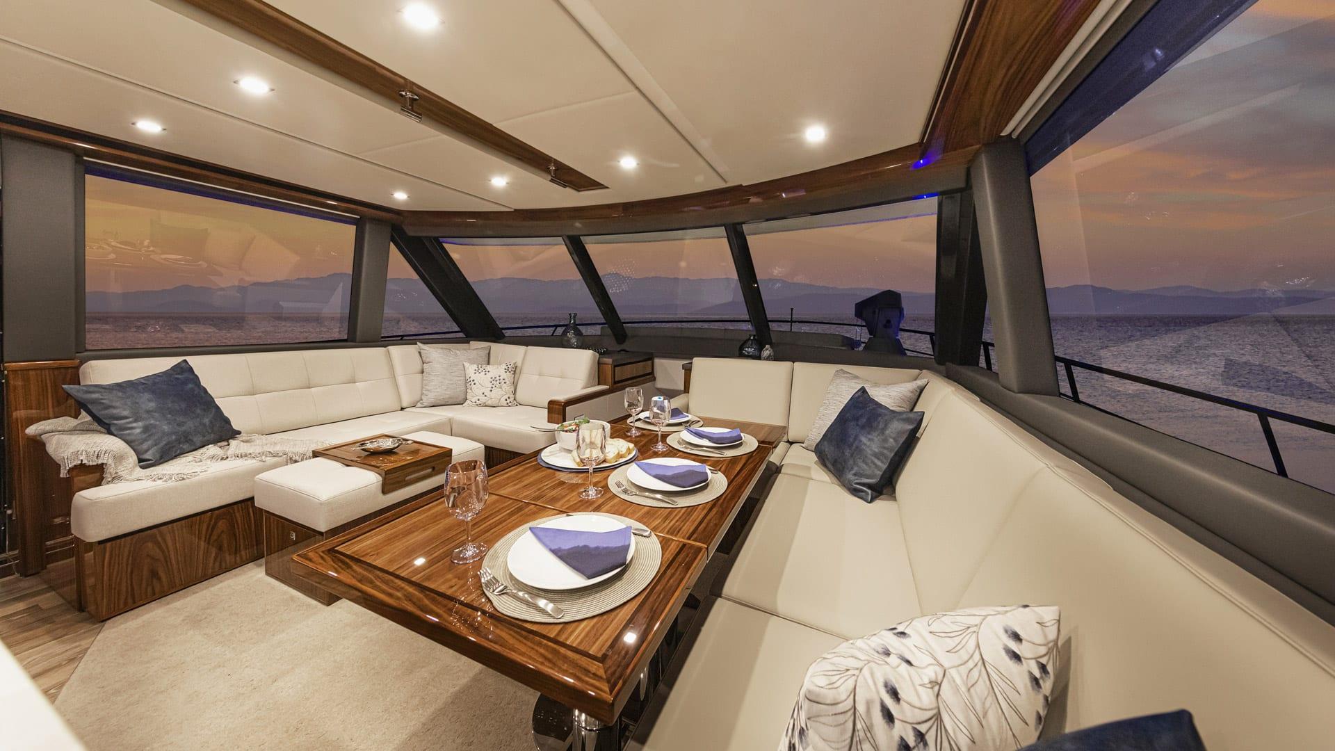 Riviera 64 Sports Motor Yacht Saloon 01