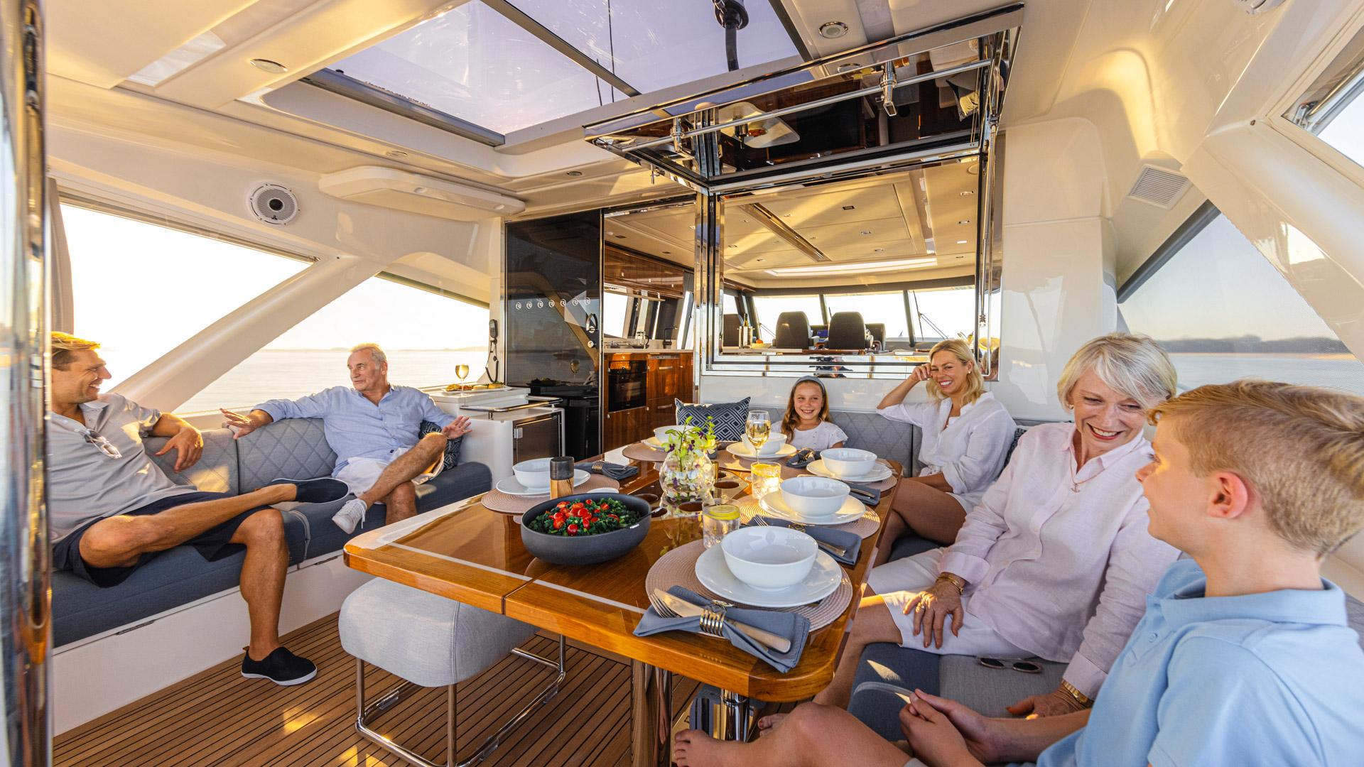 Riviera 645 SUV Alfresco Lifestyle 01