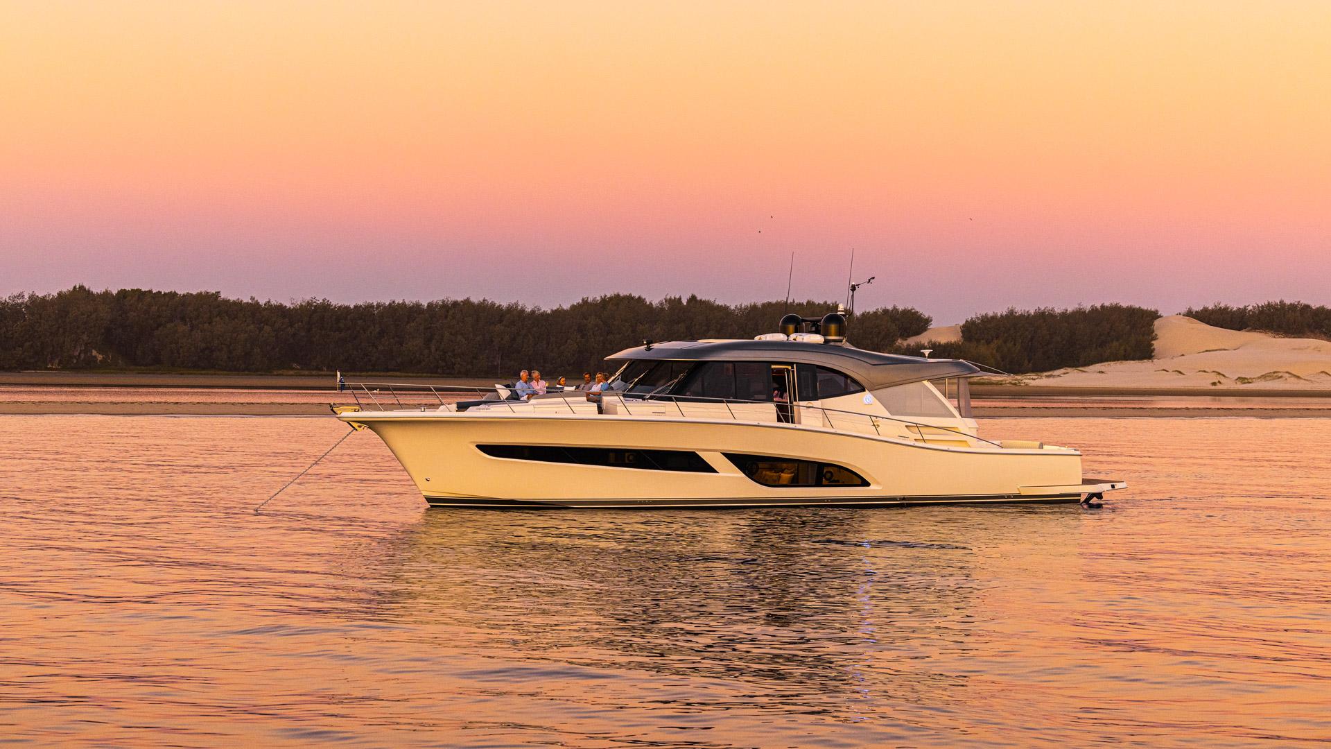 Riviera 645 SUV Anchored Sunset 010