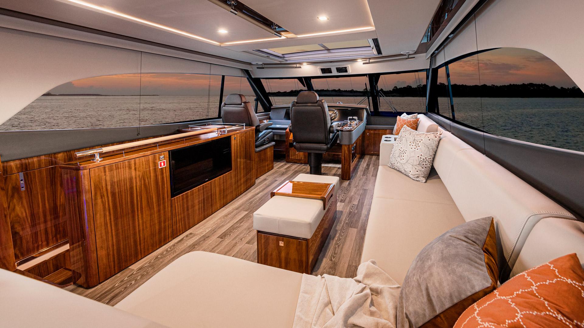 Riviera 72 Sports Motor Yacht Flybridge 01