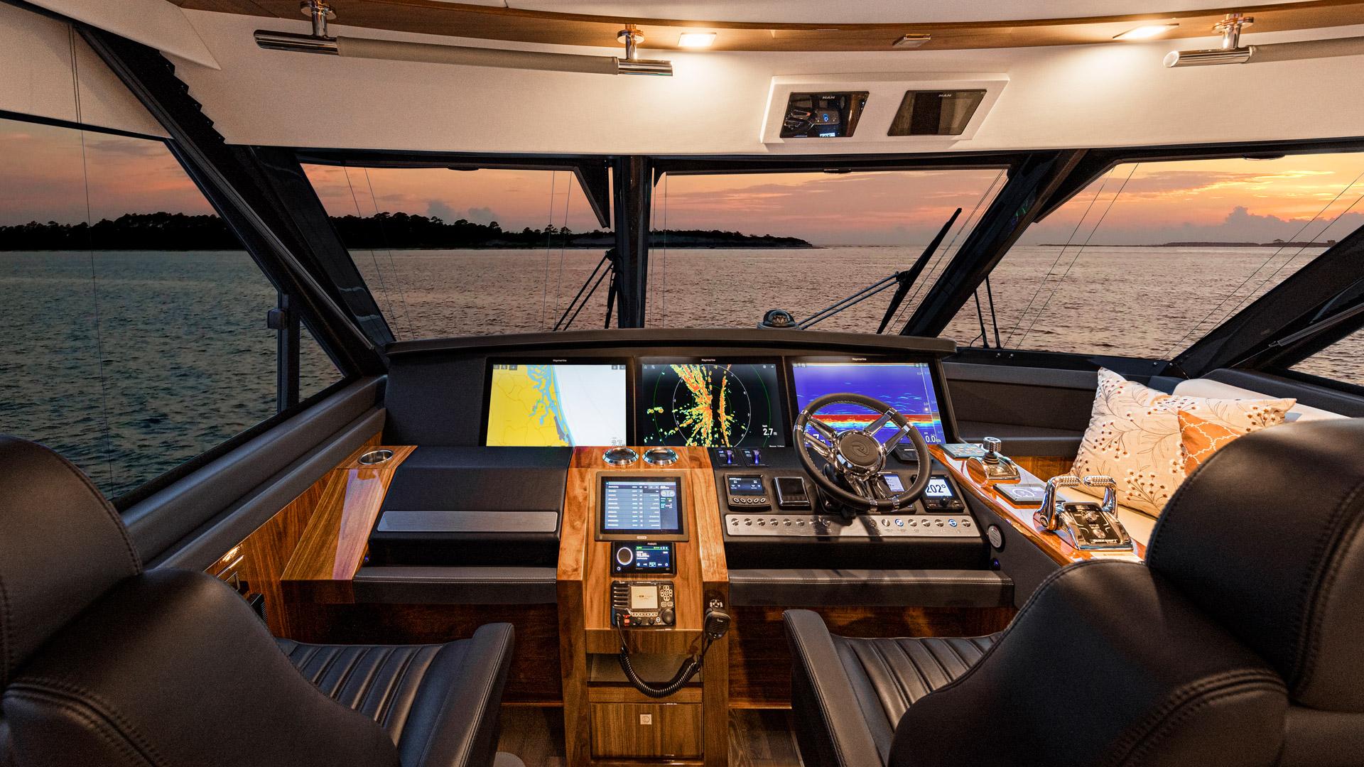 Riviera 72 Sports Motor Yacht Helm 01