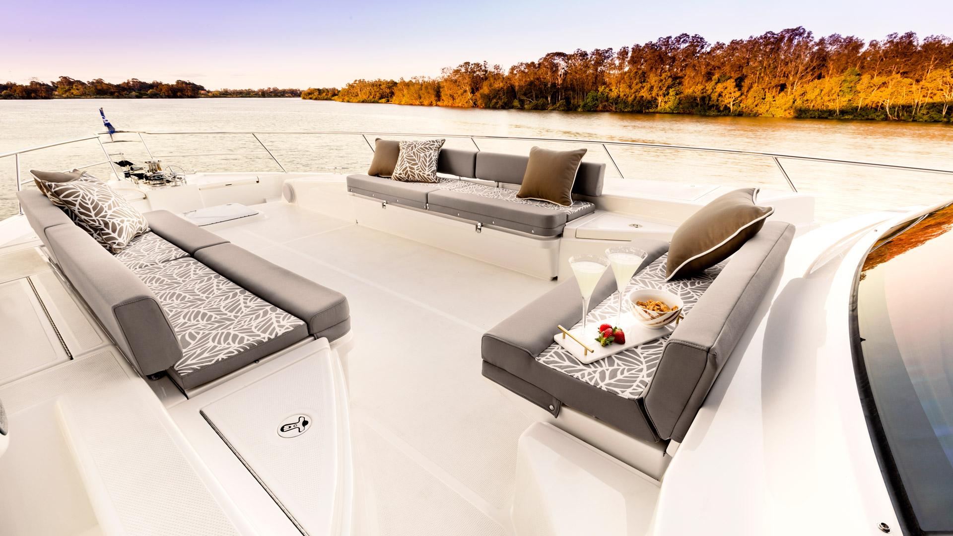 Riviera 72 Sports Motor Yacht Foredeck 01