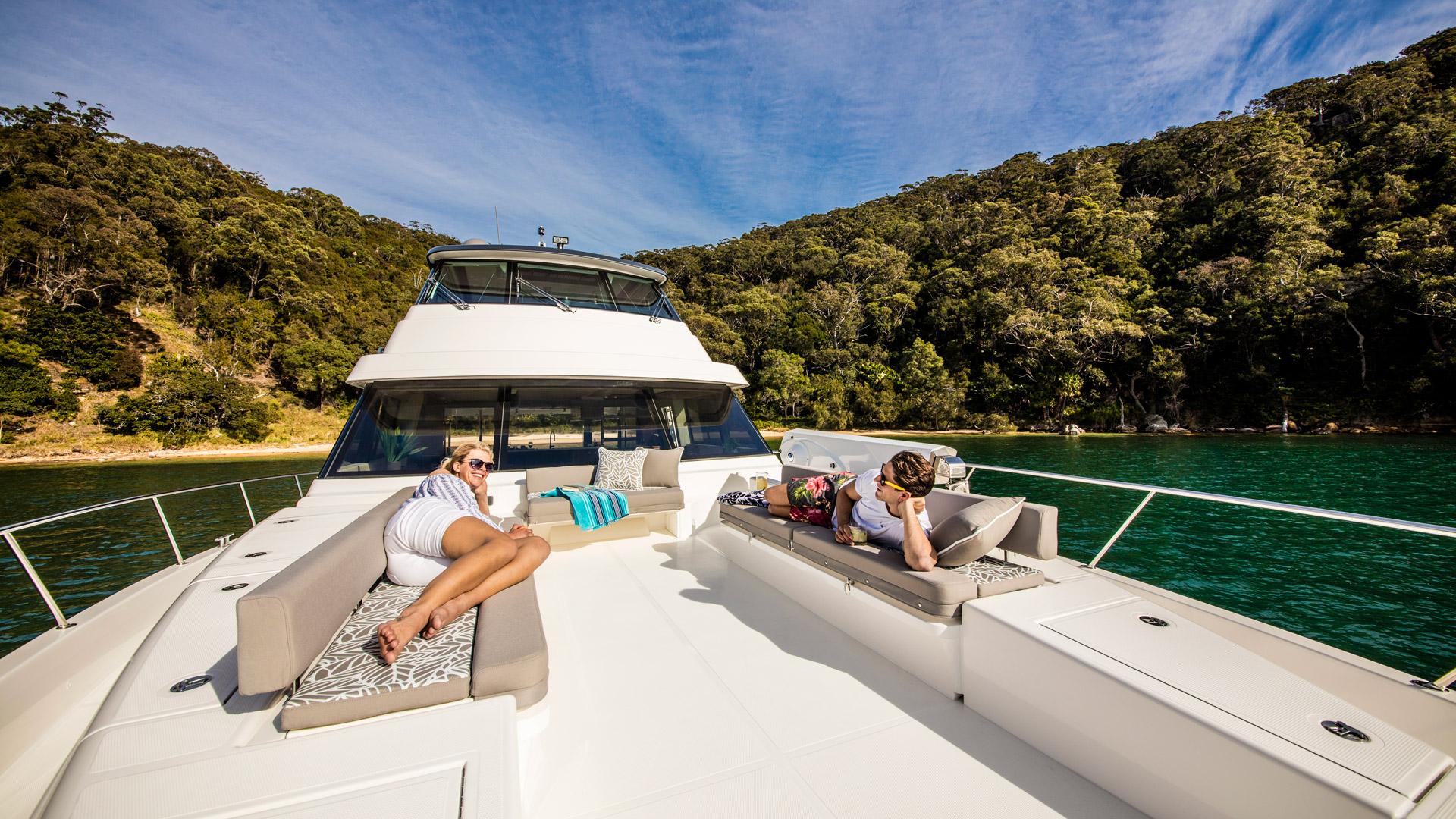 Riviera 72 Sports Motor Yacht Foredeck 02