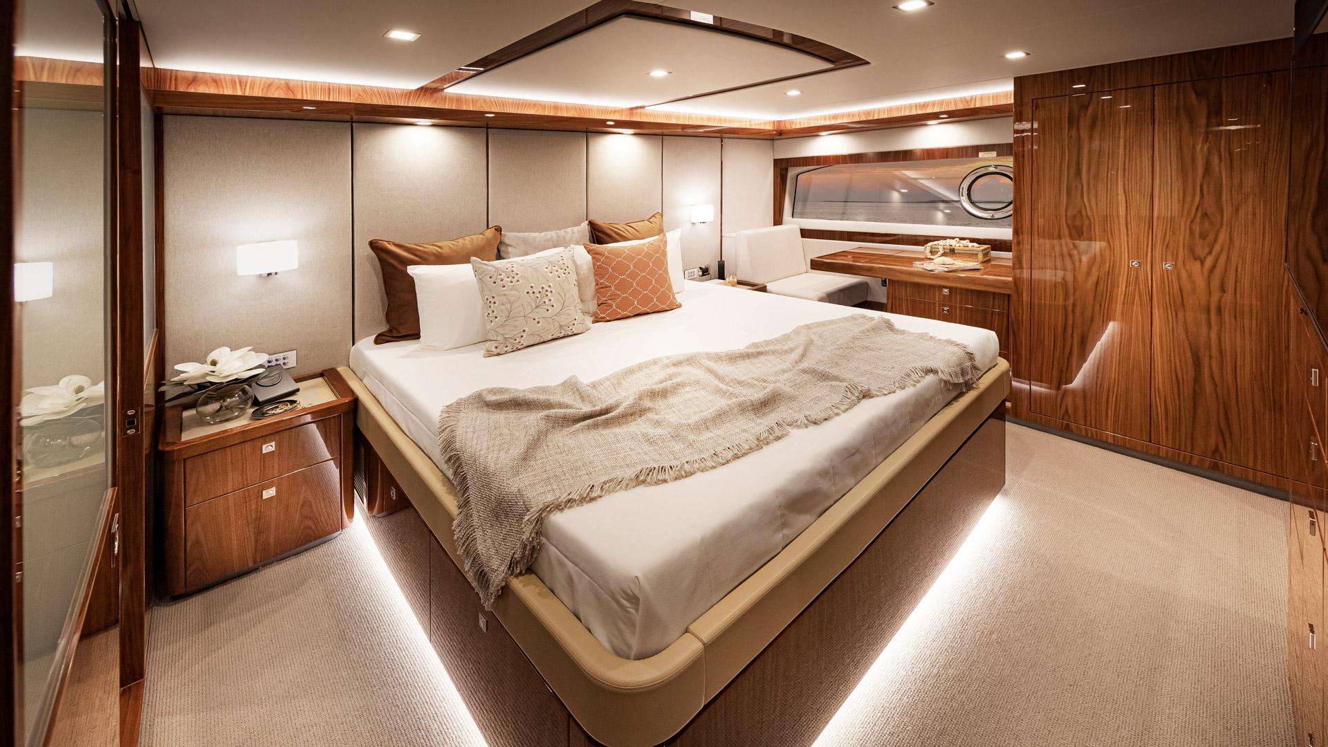 Riviera 72 Sports Motor Yacht Master Stateroom 03